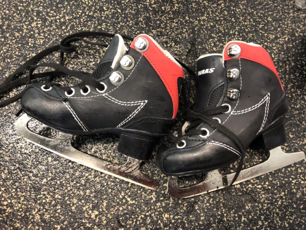 国際結婚 アイススケート 貸靴